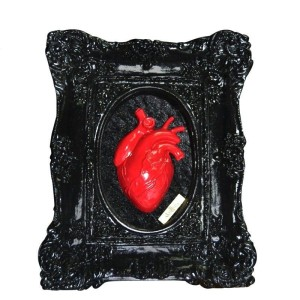 SKULLTURE - BLACK RED HEART BOX